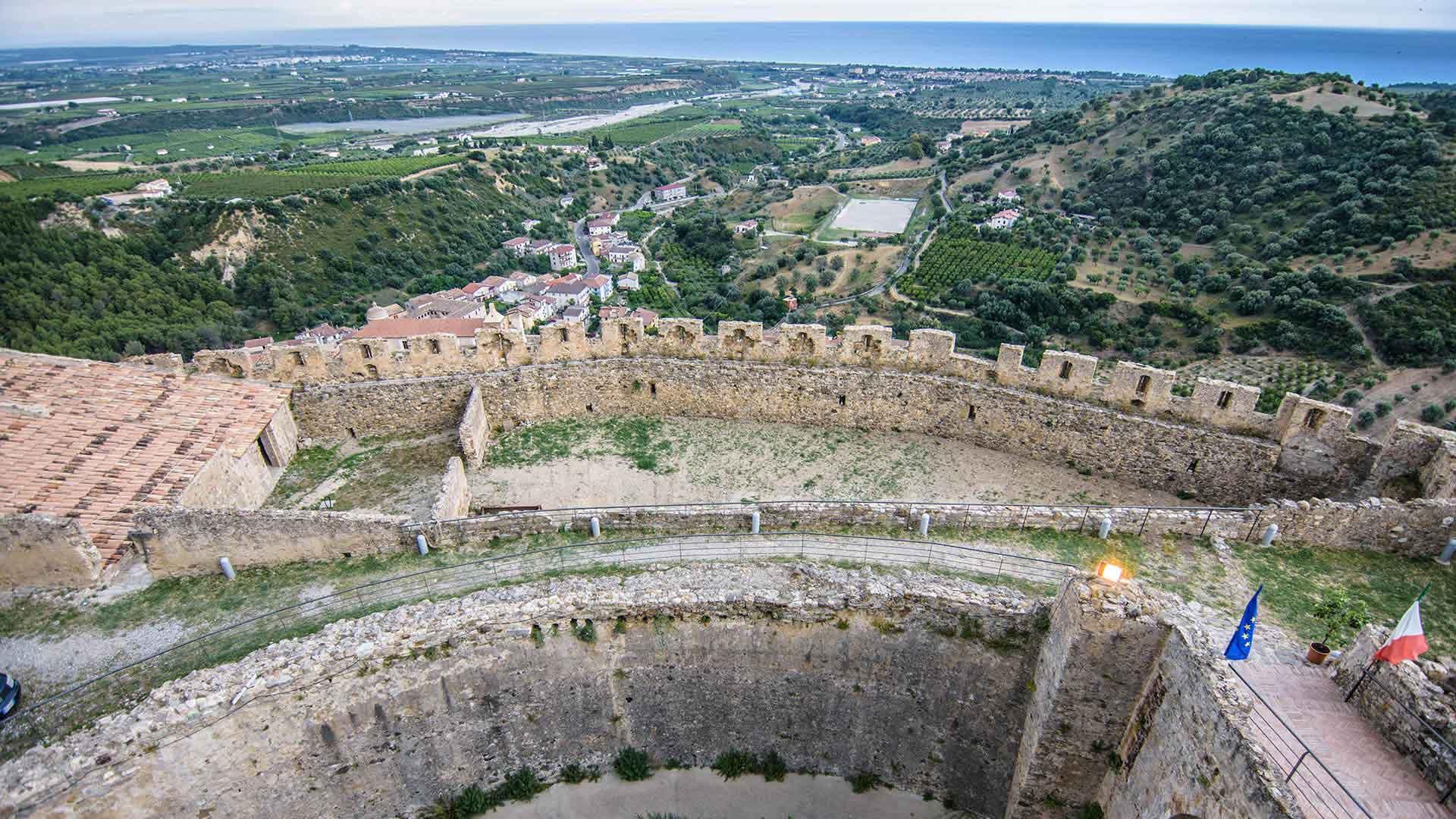 Castello Svevo di Rocca Imperiale - vista panoramica verso il mare