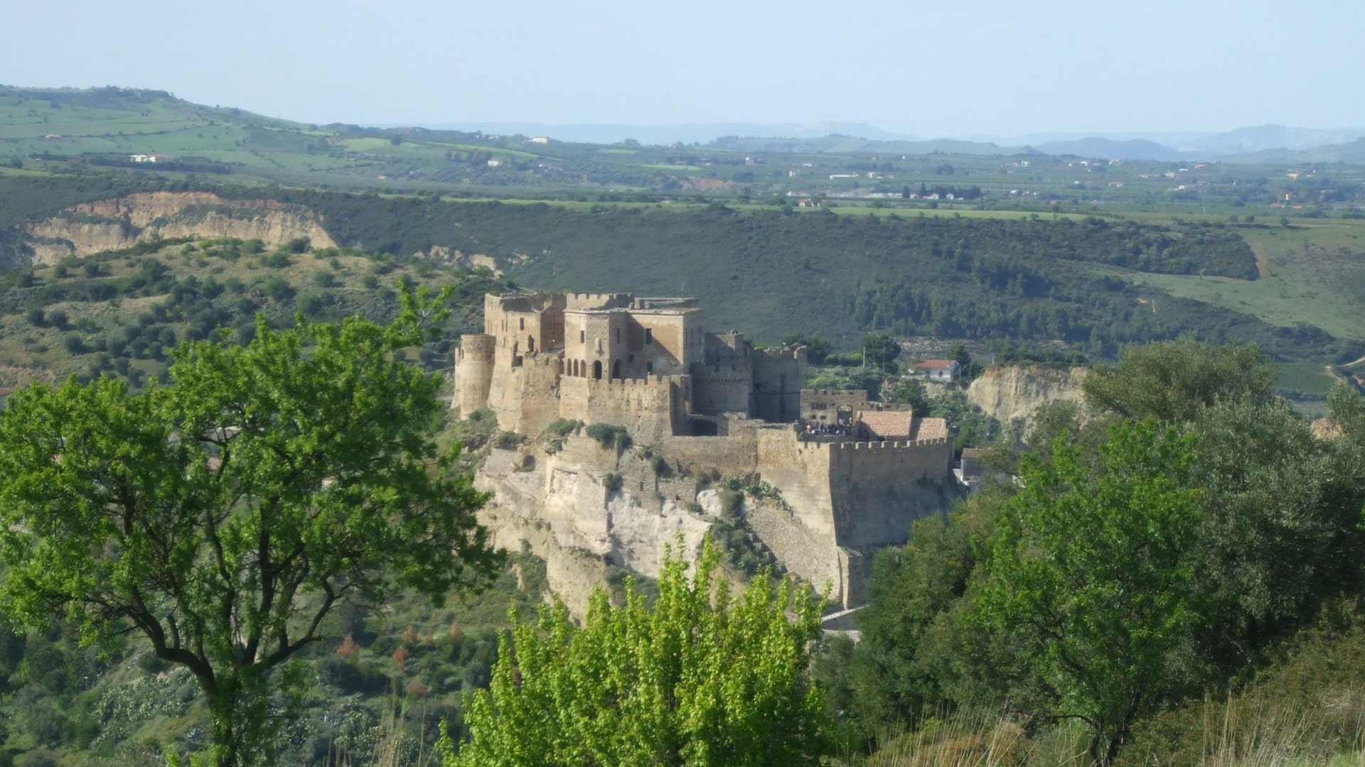 Castello Svevo di Rocca Imperiale - prospettiva laterale