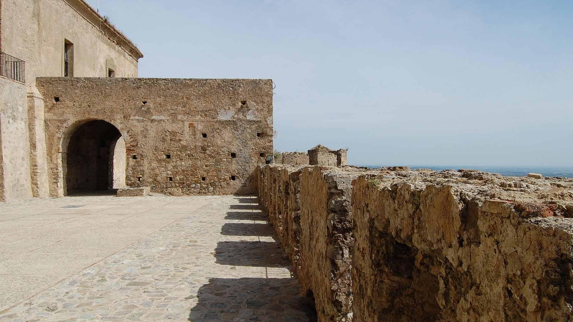Castello Svevo di Rocca Imperiale - Piazza d'Armi