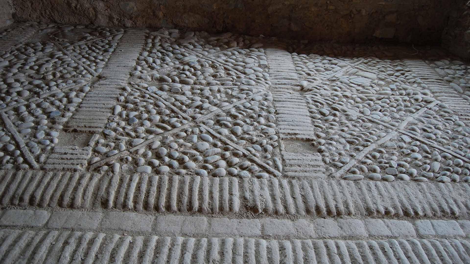 Castello Svevo di Rocca Imperiale - Pavimento interno