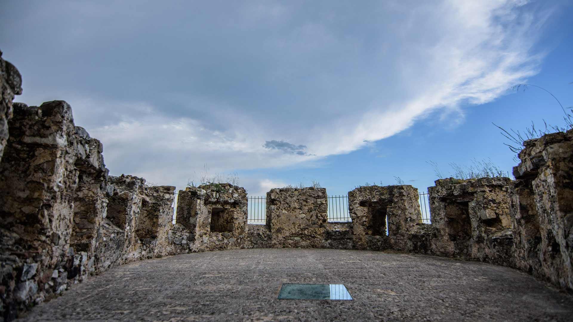 Castello Svevo di Rocca Imperiale - torre polveriera