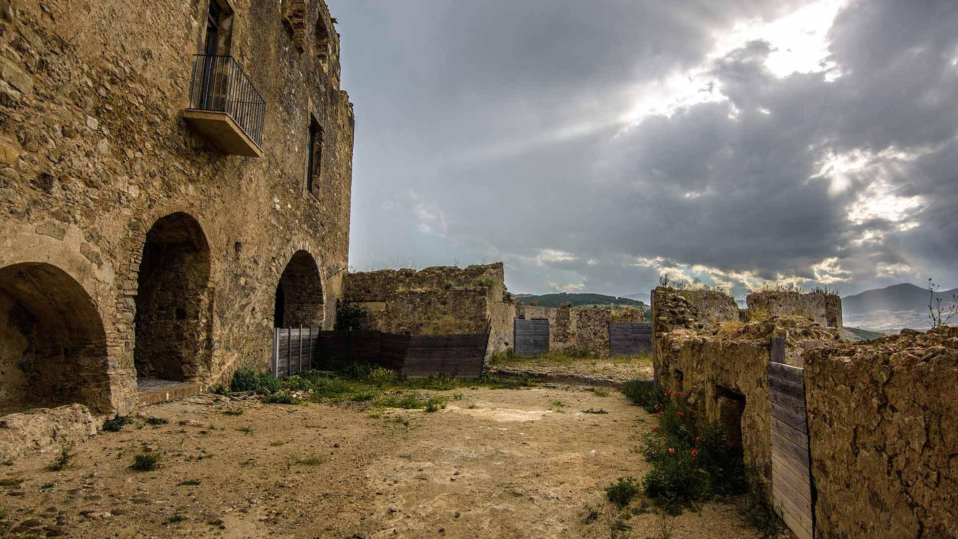 Castello Svevo di Rocca Imperiale - lato nord-ovest