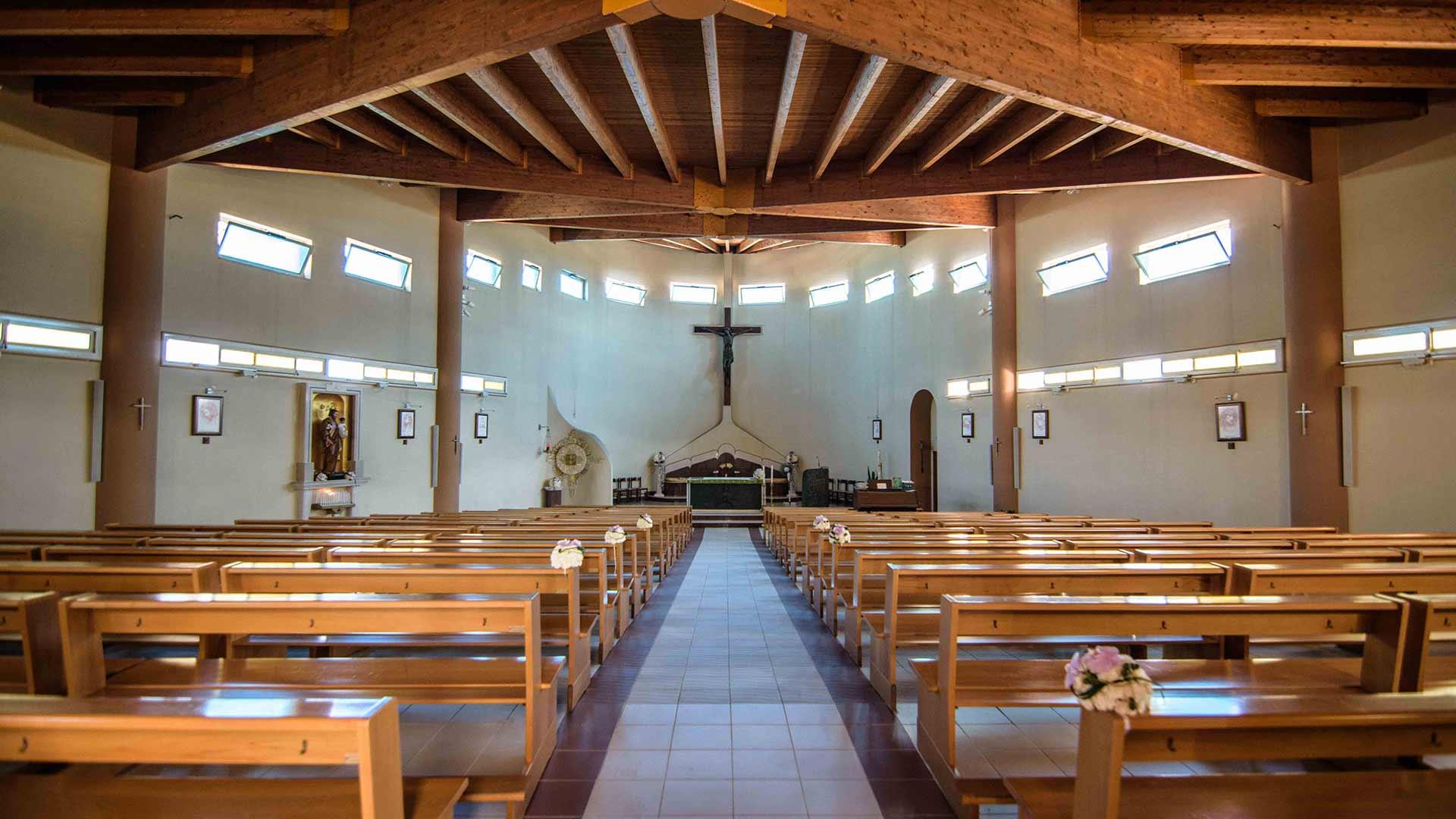 Chiesa di Rocca Imperiale marina, navata